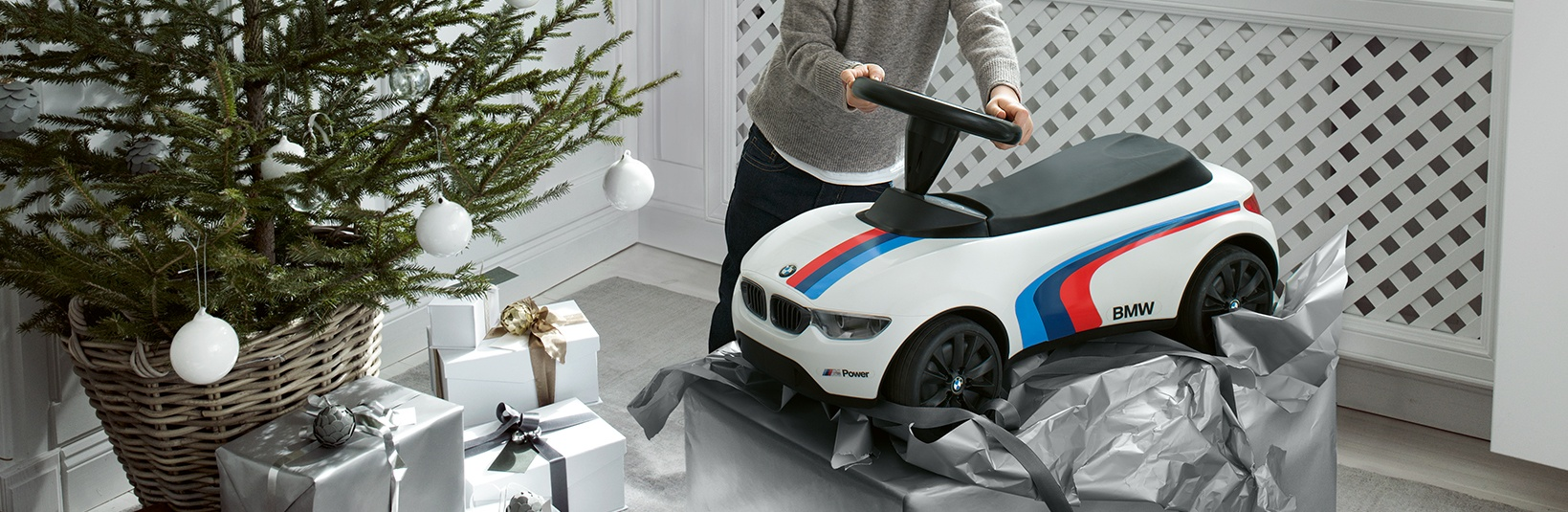 2018 BMW Grand River Holiday Gift Guide